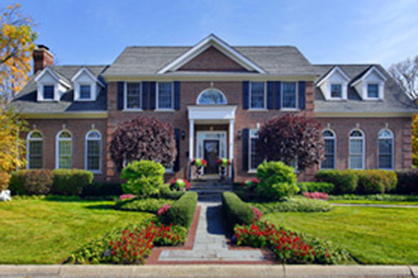 luxury-brick-home-w-columns-75.jpg - Real Estate News